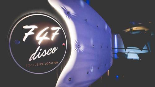 747 disco club (9)