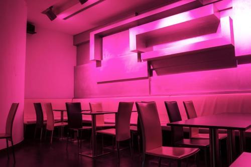 dodici pose ristorante