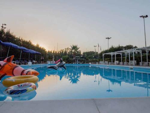 Ristorante Club Piscina 704 festa piscina giorno