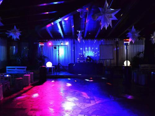 Ristorante Club Piscina 704 festa sala interna