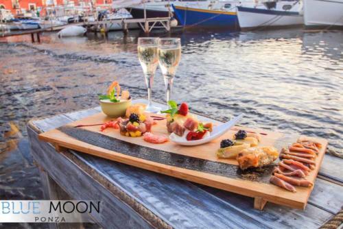 blue moon ristorante a ponza aperitivo