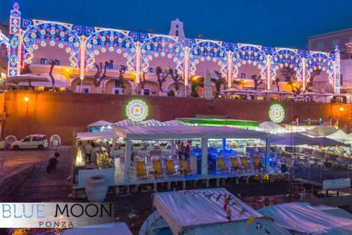 blue moon ristorante a ponza esterni