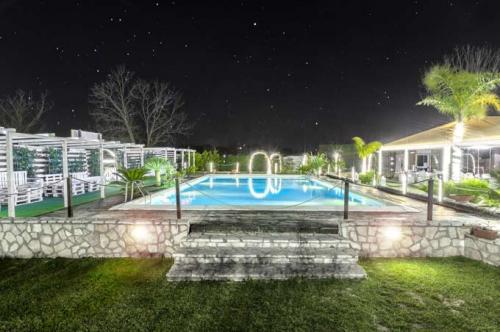 chapeau-feste-in-piscina-roma