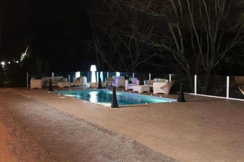 villa-veientana-piscina-lontana